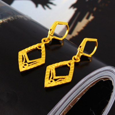 Pair of Noble Hollow Out Rhombus Shape Earrings For WomenEarrings<br>Pair of Noble Hollow Out Rhombus Shape Earrings For Women<br><br>Earring Type: Drop Earrings<br>Gender: For Women<br>Style: Trendy<br>Shape/Pattern: Geometric<br>Length: 2.1CM<br>Weight: 0.052KG<br>Package Contents: 1 x Earring(Pair)