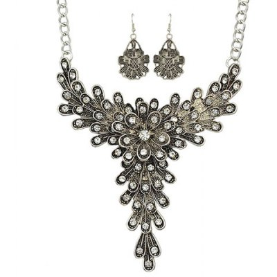 A Suit of Vintage Rhinestoned Flower Necklace and Earrings For Wome