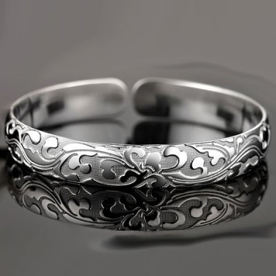 Graceful Solid Color Carving Floral Pattern Cuff Bracelet For WomenBracelets &amp; Bangles<br>Graceful Solid Color Carving Floral Pattern Cuff Bracelet For Women<br><br>Item Type: Cuff Bracelet<br>Gender: For Women<br>Chain Type: Cable-wire Chain<br>Style: Trendy<br>Shape/Pattern: Floral<br>Length: 6CM (Diameter)<br>Weight: 0.076KG<br>Package Contents: 1 x Bracelet