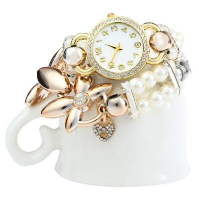 Female Charm Bracelet Quartz WatchWomens Watches<br>Female Charm Bracelet Quartz Watch<br><br>Watches categories: Female table<br>Available color: Brown,White<br>Style: Bracelet<br>Movement type: Quartz watch<br>Shape of the dial: Round<br>Display type: Analog<br>Case material: Alloy<br>Case color: Gold<br>Band material: Alloys<br>Clasp type: Hook buckle<br>The dial thickness: 0.7 cm / 0.28 inches<br>The dial diameter: 2.8 cm / 1.10 inches<br>The band width: 1.5 cm / 0.59 inches<br>Product weight: 0.045 kg<br>Package weight: 0.071 kg<br>Product size (L x W x H): 56.00 x 2.80 x 0.70 cm / 22.05 x 1.1 x 0.28 inches<br>Package size (L x W x H): 22.00 x 6.50 x 2.70 cm / 8.66 x 2.56 x 1.06 inches<br>Package Contents: 1 x Ladies Bracelet Quartz Watch