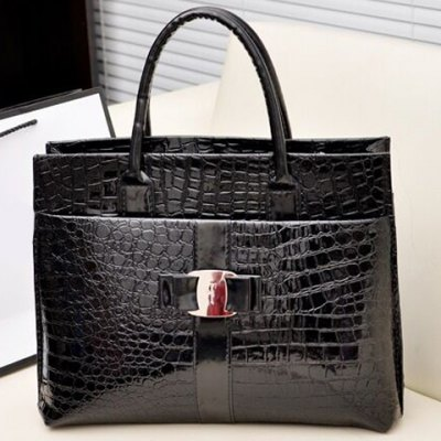 Fashionable Embossing and Metal Design Womens Tote BagWomens Bags<br>Fashionable Embossing and Metal Design Womens Tote Bag<br><br>Handbag Type: Totes<br>Style: Fashion<br>Gender: For Women<br>Pattern Type: Print<br>Handbag Size: Medium(30-50cm)<br>Closure Type: Zipper<br>Interior: Cell Phone Pocket<br>Occasion: Versatile<br>Main Material: PU<br>Hardness: Soft<br>Weight: 0.593KG<br>Size(CM)(L*W*H): 36*12*28<br>Strap Length: 10CM<br>Package Contents: 1 x Tote Bag