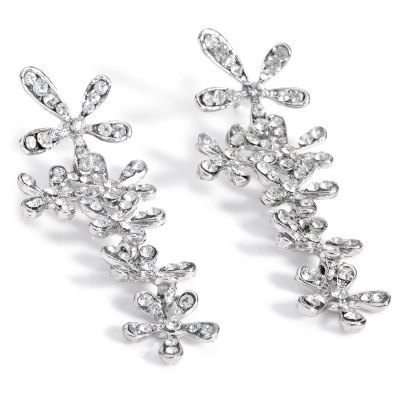 Retro Crystal Snowflake Long Dangle Earrings for LadiesEarrings<br>Retro Crystal Snowflake Long Dangle Earrings for Ladies<br><br>Earring Type: Stud Earrings<br>Gender: For Women<br>Back Finding: Push-back<br>Metal Type: Alloy<br>Style: Trendy<br>Shape/Pattern: Plant<br>Occasion: Wedding<br>Other Decoration: Crystal<br>Size (CM): 6.5 x 2.4 x 1cm<br>Diameter: 1cm<br>Weight: 0.03KG<br>Package Contents: 1 x Pair of Earrings