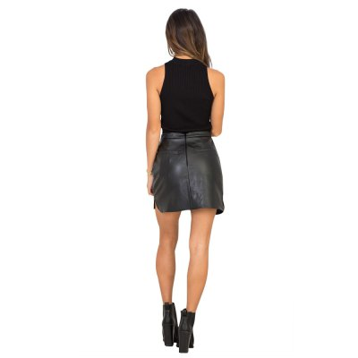 PU Skirt new fashion simple style womens high-rise slim slit and center back zipper design solid color mini skirt with liningSkirts<br>PU Skirt new fashion simple style womens high-rise slim slit and center back zipper design solid color mini skirt with lining<br>