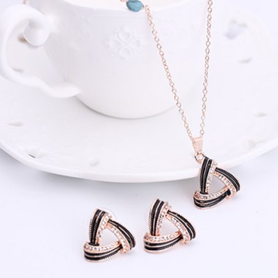 Charming Hollow Out Rhinestone Triangle Pendant Necklace and Earrings For WomenNecklaces &amp; Pendants<br>Charming Hollow Out Rhinestone Triangle Pendant Necklace and Earrings For Women<br><br>Item Type: Pendant Necklace<br>Gender: For Women<br>Necklace Type: Link Chain<br>Material: Rhinestone<br>Metal Type: Alloy<br>Style: Romantic<br>Shape/Pattern: Geometric<br>Weight: 0.063KG<br>Package Contents: 1 x Necklace 1 x Earring(Pair)