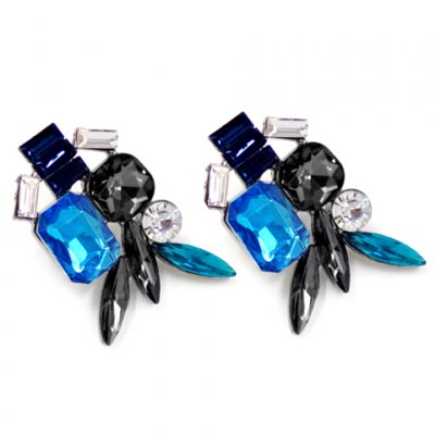 Pair of Stylish Faux Crystal Leaf Geometric Earrings For WomenEarrings<br>Pair of Stylish Faux Crystal Leaf Geometric Earrings For Women<br><br>Earring Type: Stud Earrings<br>Gender: For Women<br>Style: Trendy<br>Shape/Pattern: Others<br>Length: 3.6CM<br>Weight: 0.069KG<br>Package Contents: 1 x Earring(Pair)