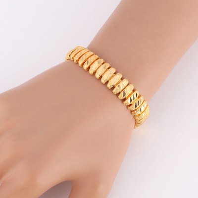 Cute Solid Color Chain Bracelet For WomenBracelets &amp; Bangles<br>Cute Solid Color Chain Bracelet For Women<br><br>Item Type: Chain &amp; Link Bracelet<br>Gender: For Women<br>Chain Type: Link Chain<br>Style: Trendy<br>Shape/Pattern: Solid<br>Length: 19CM<br>Weight: 0.081KG<br>Package Contents: 1 x Bracelet