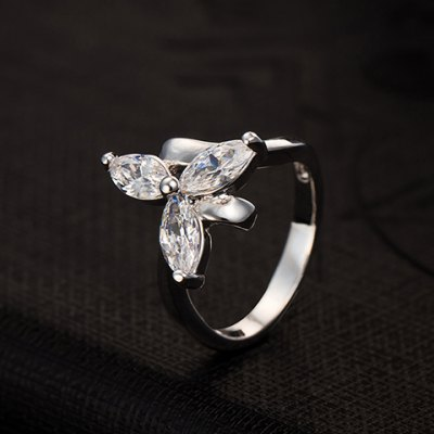 Graceful Faux Crystal Leaf Ring For WomenRings<br>Graceful Faux Crystal Leaf Ring For Women<br><br>Gender: For Women<br>Metal Type: Copper Alloy<br>Style: Trendy<br>Shape/Pattern: Plant<br>Diameter: 1.7CM<br>Weight: 0.040KG<br>Package Contents: 1 x Ring