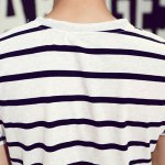 Loose Fit Round Neck Color Block Stripes Short Sleeves T-Shirt For Men photo