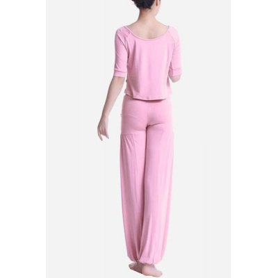 Chic Scoop Neck Half Sleeve Hit Color Three-Piece Womens Yoga SuitYoga<br>Chic Scoop Neck Half Sleeve Hit Color Three-Piece Womens Yoga Suit<br><br>Gender: For Women<br>Material: Polyester<br>Weight: 0.670KG<br>Package Contents: 1 x Tank Top  1 x T-Shirt  1 x Pants
