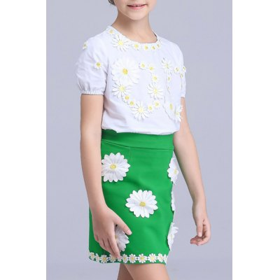Sweet Short Sleeve Flower Spliced T-Shirt + Mini Skirt Girls TwinsetGirls Clothing<br>Sweet Short Sleeve Flower Spliced T-Shirt + Mini Skirt Girls Twinset<br><br>Material: Polyester<br>Clothing Length: Regular<br>Sleeve Length: Short<br>Style: Fashion<br>Pattern Style: Patchwork<br>Weight: 0.350kg<br>Package Contents: 1 x T-Shirt  1 x Skirt