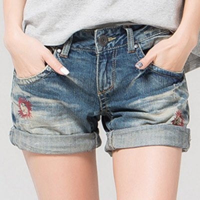 Stylish Plus Size Zipper Fly Pocket Design Embroidery Shorts For Women