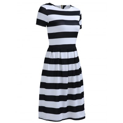 Chic Womens Round Neck Short Sleeve Striped DressWomens Clothing<br>Chic Womens Round Neck Short Sleeve Striped Dress<br><br>Style: Casual<br>Material: Polyester<br>Silhouette: A-Line<br>Dresses Length: Knee-Length<br>Neckline: Round Collar<br>Sleeve Length: Short Sleeves<br>Pattern Type: Striped<br>With Belt: No<br>Season: Summer<br>Weight: 0.247kg<br>Package Contents: 1 x Dress