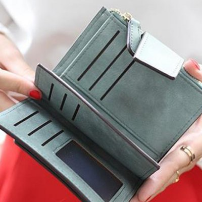 Concise Solid Color and Hasp Design Small Wallet For WomenWomens Wallets<br>Concise Solid Color and Hasp Design Small Wallet For Women<br><br>Wallets Type: Mini Wallets<br>Gender: For Women<br>Style: Fashion<br>Closure Type: Zipper&amp;Hasp<br>Pattern Type: Solid<br>Main Material: PU<br>Width: 2CM<br>Height: 11CM<br>Weight: 0.157kg<br>Package Contents: 1 x Wallet