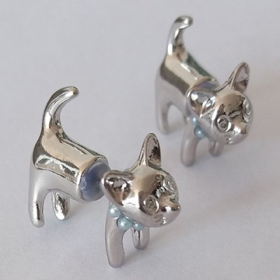 Pair of Kitten Shape Alloy Earrings