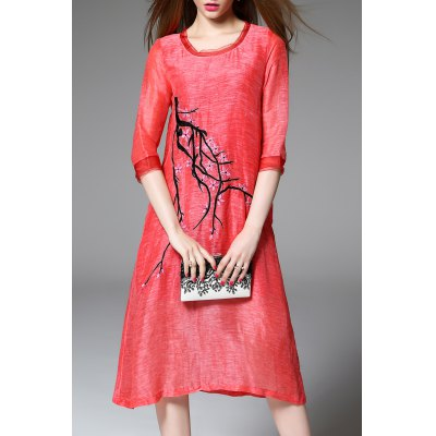 Fitting Plum Blossom Embroidered Dress