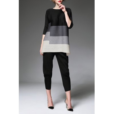 Creased Color Block Tunic TopDesigner Tops<br>Creased Color Block Tunic Top<br><br>Material: Polyester<br>Composition: 100% Polyester<br>Clothing Length: Regular<br>Sleeve Length: Three Quarter<br>Collar: Round Neck<br>Pattern Type: Patchwork<br>Style: Fashion<br>Seasons: Spring,Summer<br>Weight: 0.420kg<br>Package Contents: 1 x Tunic