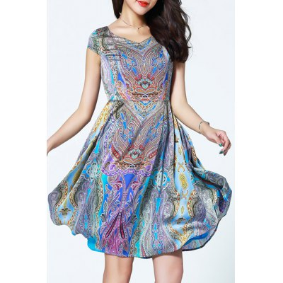 Sweetheart Neck Printed High Waist DressDesigner Clothing<br>Sweetheart Neck Printed High Waist Dress<br><br>Style: Vintage<br>Material: Polyester<br>Composition: Outer Composition:100% Polyester&lt;br&gt;Lining Composition:100% Polyester<br>Silhouette: A-Line<br>Dresses Length: Knee-Length<br>Neckline: Sweetheart Neck<br>Sleeve Length: Short Sleeves<br>Pattern Type: Print<br>With Belt: No<br>Season: Summer<br>Weight: 0.570kg<br>Package Contents: 1 x Dress