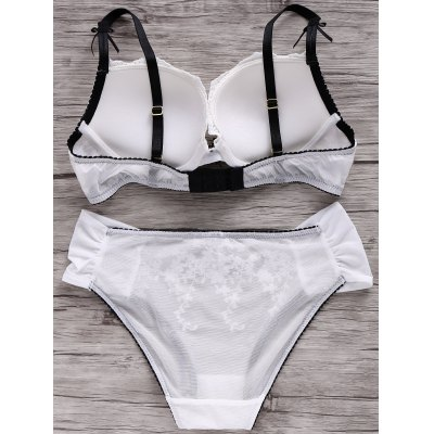 Vintage Style Embroidered Floral Push Up Bra Set For WomenTops<br>Vintage Style Embroidered Floral Push Up Bra Set For Women<br><br>Materials: Nylon,Polyester<br>Bra Style: Push Up<br>Cup Shape: Three Quarters(3/4 Cup)<br>Support Type: Underwire<br>Strap Type: Non-Convertible Straps<br>Closure Style: Back Closure<br>Pattern Type: Floral<br>Embellishment: Embroidery,Lace,Tassel<br>Style: Vintage<br>Weight: 0.118kg<br>Package Contents: 1 x Bra  1 x Briefs