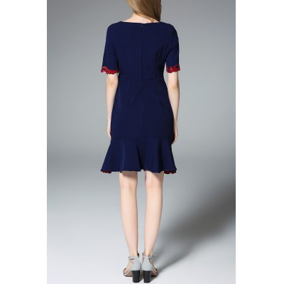 Square Neck Embroidered Mermaid DressDesigner Dresses<br>Square Neck Embroidered Mermaid Dress<br><br>Style: Vintage<br>Occasion: Day,Evening,Prom<br>Material: Cotton,Spandex<br>Composition: 95% Cotton,5% Spandex<br>Silhouette: Trumpet/Mermaid<br>Dresses Length: Knee-Length<br>Neckline: Round Collar<br>Sleeve Length: Short Sleeves<br>Pattern Type: Floral<br>With Belt: No<br>Season: Summer<br>Weight: 0.320kg<br>Package Contents: 1 x Dress