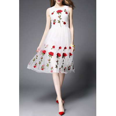 Stand Neck Sleeveless Rose Embroidery Dress