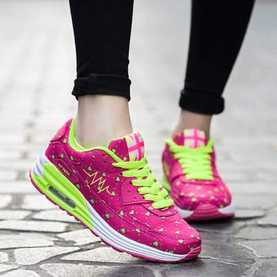 Heart Print Design Athletic Shoes For Women