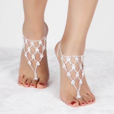 Pair of Graceful Rhinestoned Geometric Anklets For Women