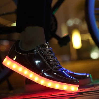 Trendy Lights Up Led Luminous and Metal Color Design Casual Shoes For Men