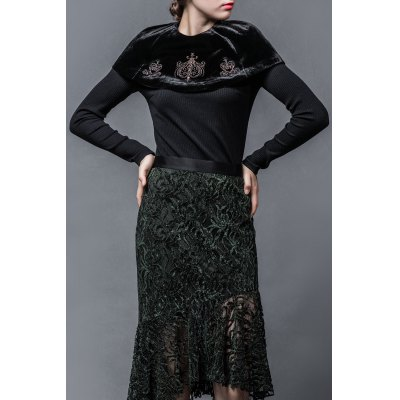 Capelet Embroidered Knitwear