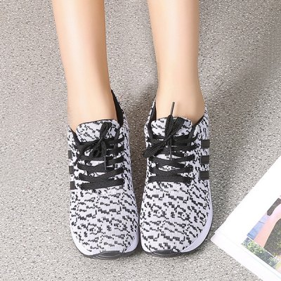 ФОТО Pixel Print Lace-Up Mesh Sneakers