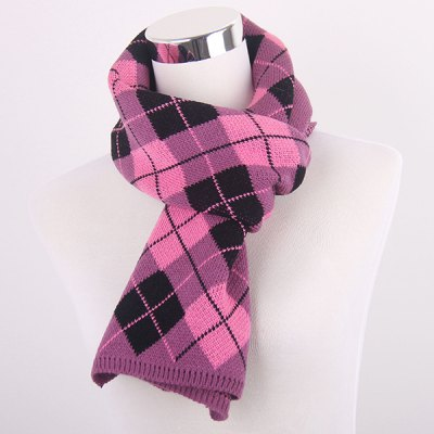 warm-checked-knitted-scarf