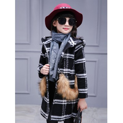 Faux Fur Single-Breasted Plaid Woolen CoatGirls Clothing<br>Faux Fur Single-Breasted Plaid Woolen Coat<br><br>Clothes Type: Wool &amp; Blends<br>Material: Polyester,Wool<br>Type: A-Line<br>Clothing Length: Long<br>Sleeve Length: Full<br>Collar: Hooded<br>Closure Type: Single Breasted<br>Pattern Type: Plaid<br>Embellishment: Fur<br>Style: Casual<br>Weight: 0.809kg<br>Package Contents: 1 x Coat