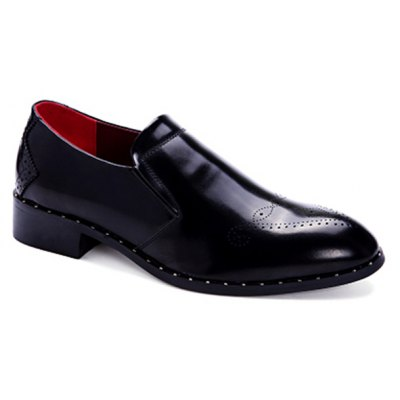 Engraving Point Toe Casual Shoes
