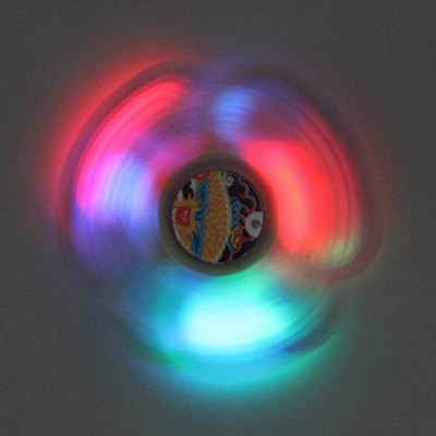 Dragon Patterned Plastic Fidget Spinner with LED LightsFidget Spinners<br>Dragon Patterned Plastic Fidget Spinner with LED Lights<br><br>Features: Creative Toy<br>Frame material: Plastic<br>Package Contents: 1 x Fidget Spinner<br>Products Type: Fidget Spinner<br>Swing Numbers: Tri-Bar<br>Weight: 0.0700kg