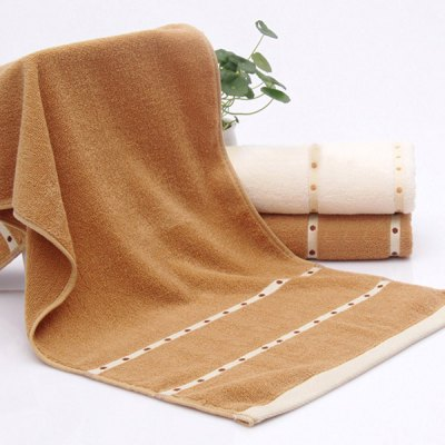 VIP Life Cotton Thickening Bath TowelTowels<br>VIP Life Cotton Thickening Bath Towel<br><br>Life Stage: Adult<br>Materials: Cotton<br>Package Contents: 1 x Bath Towel<br>Pattern: Solid<br>Products Type: Towels<br>Shape: Rectangle<br>Size: W27.5INCH*L55.1INCH<br>Style: Casual