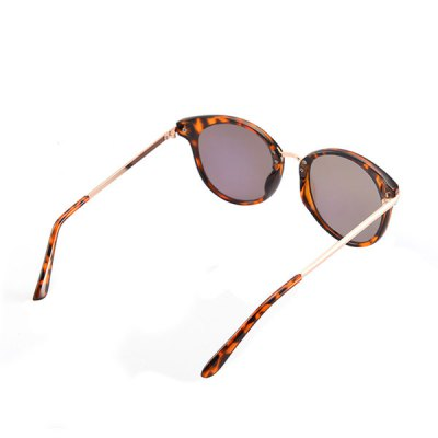 Cat Eye Reflective Sunglasses with BoxStylish Sunglasses<br>Cat Eye Reflective Sunglasses with Box<br><br>Frame Color: Leopard Pattern<br>Frame Length: 14.5CM<br>Frame material: Other<br>Gender: For Women<br>Group: Adult<br>Lens height: 5CM<br>Lens material: Resin<br>Package Contents: 1 x Sunglasses 1 x Box<br>Shape: Cat Eye<br>Style: Fashion<br>Temple Length: 14CM<br>Weight: 0.1100kg
