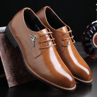 Metal Embellishment Tie Up Formal ShoesFormal Shoes<br>Metal Embellishment Tie Up Formal Shoes<br><br>Closure Type: Lace-Up<br>Embellishment: Metal<br>Gender: For Men<br>Occasion: Dress<br>Outsole Material: Rubber<br>Package Contents: 1 x Formal Shoes (pair)<br>Pattern Type: Solid<br>Season: Spring/Fall<br>Shoe Width: Medium(B/M)<br>Toe Shape: Pointed Toe<br>Toe Style: Closed Toe<br>Upper Material: PU<br>Weight: 1.2000kg