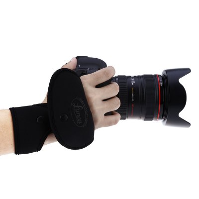 LYNCA EF1 Camera Wrist BandPhotography Accessories<br>LYNCA EF1 Camera Wrist Band<br><br>Model Number: EF1<br>Product weight: 0.050 kg<br>Package weight: 0.115 kg<br>Product Size(L x W x H): 24.50 x 18.00 x 0.40 cm / 9.65 x 7.09 x 0.16 inches<br>Package Size(L x W x H): 18.00 x 11.00 x 3.00 cm / 7.09 x 4.33 x 1.18 inches<br>Package Contents: 1 x Camera Wrist Band