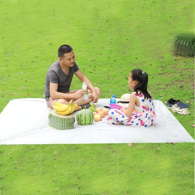 3 - 6 People 150 x 200CM Water Resistant Disposable Picnic Mat
