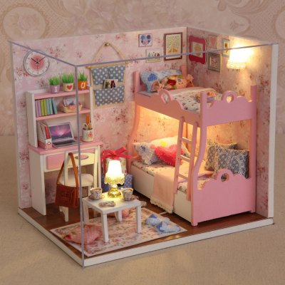 CUTEROOM H - 012 - A Wooden House - Blossom Age