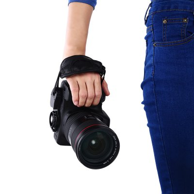 DSLR Camera Waist Neck Belt StrapPhotography Accessories<br>DSLR Camera Waist Neck Belt Strap<br><br>Product weight: 0.042 kg<br>Package weight: 0.066 kg<br>Package Size(L x W x H): 6.50 x 3.00 x 13.00 cm / 2.56 x 1.18 x 5.12 inches<br>Package Contents: 1 x Strap