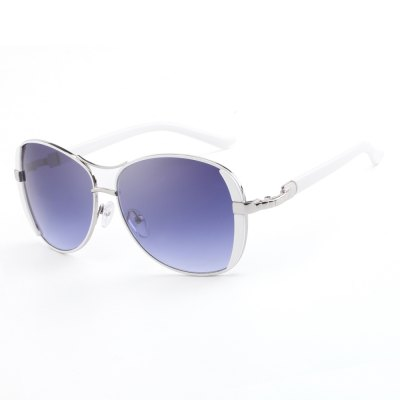 HDCRAFTER Women Oversized Design SunglassesStylish Sunglasses<br>HDCRAFTER Women Oversized Design Sunglasses<br><br>Frame Length: 13.5CM<br>Frame material: Alloy<br>Gender: For Women<br>Group: Adult<br>Lens height: 5.2CM<br>Lens material: Polycarbonate<br>Lens width: 5.8CM<br>Nose: 1.5CM<br>Package Contents: 1 x Women Sunglasses<br>Package size (L x W x H): 15.00 x 7.00 x 4.50 cm / 5.91 x 2.76 x 1.77 inches<br>Package weight: 0.1130 kg<br>Product size (L x W x H): 13.50 x 13.10 x 5.20 cm / 5.31 x 5.16 x 2.05 inches<br>Product weight: 0.0290 kg<br>Temple Length: 13.1CM