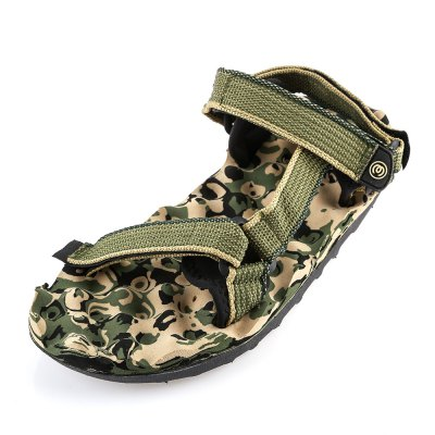 Military Print Magic Tape Male Beach Massage SandalsMens Sandals<br>Military Print Magic Tape Male Beach Massage Sandals<br><br>Available Size: 40, 41, 42, 43, 44<br>Closure Type: Hook / Loop<br>Embellishment: None<br>Gender: For Men<br>Heel Hight: 3 cm / 1.18 inch<br>Occasion: Casual<br>Outsole Material: Rubber<br>Package Contents: 1 x Pair of Men Sandals<br>Pattern Type: Others<br>Sandals Style: Ankle-Wrap<br>Shoe Width: Medium(B/M)<br>Style: Leisure<br>Upper Material: Cloth<br>Weight: 0.5970kg