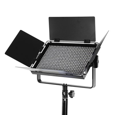 VILTROX VX - 40T 3300K - 5600K Photography Fill LightFlash Diffuser<br>VILTROX VX - 40T 3300K - 5600K Photography Fill Light<br><br>Package Contents: 1 x Fill Light, 1 x Power Adapter with Cable ( 2.5m ), 1 x Cable ( 3m ), 1 x Wrench, 1 x English and Chinese Manual<br>Package Size(L x W x H): 36.50 x 11.50 x 31.00 cm / 14.37 x 4.53 x 12.2 inches<br>Package weight: 2.4230 kg<br>Product weight: 1.2480 kg