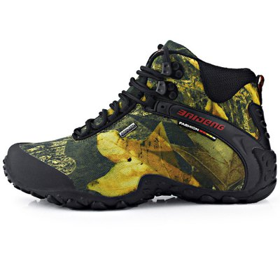 BAIDENG Male Camouflage High Boot Climbing ShoesAthletic Shoes<br>BAIDENG Male Camouflage High Boot Climbing Shoes<br><br>Available Size: 40, 41, 42, 43, 44, 45, 46<br>Brand: BAIDENG<br>Closure Type: Lace-Up<br>Color: Gray,Khaki<br>Features: Crashworthy, Durable, Anti-slip, Breathable<br>Gender: Men<br>Package Contents: 1 x Pair of Male Camouflage High Boot Climbing Shoes<br>Package size: 32.00 x 28.00 x 12.00 cm / 12.6 x 11.02 x 4.72 inches<br>Package weight: 1.3000 kg<br>Product size: 27.00 x 8.00 x 10.00 cm / 10.63 x 3.15 x 3.94 inches<br>Season: Winter, Spring, Autumn<br>Sole Material: Rubber<br>Upper Height: High