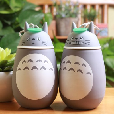 Totoro Shape Vacuum Water CupLids &amp; Bottle Caps<br>Totoro Shape Vacuum Water Cup<br><br>Style: Animal,Sport,Creative,Beauty,Fashion<br>Type: Water,Milk,Fruit Juice,Beer,Tea,Coffee<br>Capacity: 280ml<br>Suitable for: Party,Home,Travelling,Climbing,Bar,Camping,Others<br>Material: Stainless Steel<br>Product weight: 0.300 kg<br>Package weight: 0.380 kg<br>Product size (L x W x H): 8.300 x 8.600 x 16.000 cm / 3.268 x 3.386 x 6.299 inches<br>Package size (L x W x H): 11.000 x 19.000 x 11.000 cm / 4.331 x 7.480 x 4.331 inches<br>Package Contents: 1 x Vacuum Water Cup