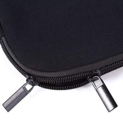 15 inch Notebook Sleeve Carrying CaseLaptop Bags<br>15 inch Notebook Sleeve Carrying Case<br><br>Type: Sleeves<br>Size: 15.0 inch<br>Optional Colors: Black<br>Product weight: 0.270 kg<br>Package weight: 0.292 kg<br>Product size (L x W x H): 40.000 x 30.000 x 1.500 cm / 15.748 x 11.811 x 0.591 inches<br>Package size (L x W x H): 41.000 x 31.000 x 2.500 cm / 16.142 x 12.205 x 0.984 inches<br>Package Contents: 1 x Notebook Sleeve