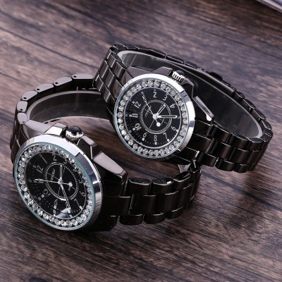 Sinobi 9390 Couple Quartz WatchCouples Watches<br>Sinobi 9390 Couple Quartz Watch<br><br>Brand: Sinobi<br>Watches categories: Couple tables<br>Watch style: Fashion<br>Shape of the dial: Round<br>Movement type: Quartz watch<br>Display type: Analog<br>Case material: Stainless Steel<br>Band material: Ceramic and steel<br>Clasp type: Pin buckle<br>Water resistance : 30 meters<br>Package weight: 0.260 KG<br>Package size (L x W x H): 10.60 x 16.40 x 1.90 cm / 4.17 x 6.46 x 0.75 inches<br>The male dial dimension (L x W x H): 3.60 x 3.6 x 1.20 cm / 1.42 x 1.42 x 0.47 inches<br>The male watch band dimension (L x W): 19.20 x 1.8 cm / 7.56 x 0.71 inches<br>The male watch weight: 0.126 kg<br>The male watch size (L x W x H): 19.20 x 4.20 x 1.20 cm / 7.56 x 1.65 x 0.47 inches<br>The female dial dimension (L x W x H): 3.2 x 3.2 x 0.90 cm / 1.26 x 1.26 x 0.35 inches<br>The female watch band dimension (L x W): 21.6 x 1.9 cm / 8.50 x 0.75 inches<br>The female watch weight: 0.083 kg<br>The female size (L x W x H): 17.40 x 3.50 x 0.90 cm / 6.85 x 1.38 x 0.35 inches<br>Package Contents: 2 x Sinobi 9390 Watch
