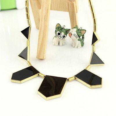 NC-5005 Irregular Polygon Pendant Necklace Zinc Alloy for LadiesNecklaces &amp; Pendants<br>NC-5005 Irregular Polygon Pendant Necklace Zinc Alloy for Ladies<br><br>Occasions: Casual,Party,Performance,Personalized Photo<br>Style: Fashion<br>Fabric: Zinc Alloy<br>Color: Black,Blue,Orange,Red,Rose<br>Product weight: 0.030 kg<br>Package weight: 0.060 kg<br>Package size (L x W x H): 10.00 x 10.00 x 10.00 cm / 3.94 x 3.94 x 3.94 inches<br>Package Contents: 1 x Necklace