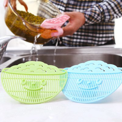 Multi-purpose Clip Type Rice Washing Sieve DrainerColanders &amp; Strainers<br>Multi-purpose Clip Type Rice Washing Sieve Drainer<br><br>Type: Other Kitchen Accessories<br>Material: PP<br>Available color: Blue,Green,Pink<br>Product weight: 0.030KG<br>Package weight: 0.090 KG<br>Product size (L x W x H): 13.00 x 11.00 x 2.00 cm / 5.12 x 4.33 x 0.79 inches<br>Package size (L x W x H): 15.00 x 13.00 x 5.00 cm / 5.91 x 5.12 x 1.97 inches<br>Package Contents: 1 x Rice Washing Strainer