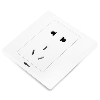 Legrand EN426 / 10USL Universal Wall SocketPlugs &amp; Sockets<br>Legrand EN426 / 10USL Universal Wall Socket<br><br>Brand: Legrand<br>Color: White<br>Material: PC<br>Model: EN426 / 10US<br>Package Contents: 1 x Legrand EN426 / 10USL Universal Wall Socket, 2 x Screw<br>Package size (L x W x H): 16.00 x 13.00 x 4.00 cm / 6.30 x 5.12 x 1.57 inches<br>Package weight: 0.085 kg<br>Product size (L x W x H): 8.50 x 8.50 x 3.00 cm / 3.35 x 3.35 x 1.18 inches<br>Product weight: 0.064 kg<br>Special function: Wall Socket<br>Standard: All in One